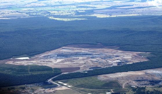 media_brief_boggabri_coal_mine_aerial_tpickard_mar2012_resize
